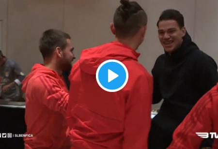 VÍDEO: Benfica recebe visita especial em Manchester!